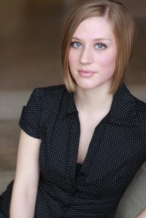 Amy Larson Headshot.jpg